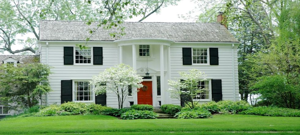 How to Choose the Perfect Exterior Color for Protection of Your House