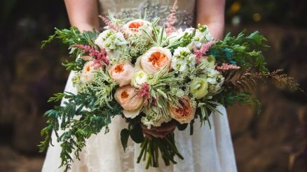 Following the Steps of Vintage Style Wedding Flowers Ideas