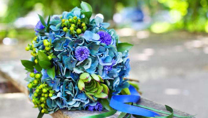Blue and Green Wedding Flower Ideas for Your Wedding Bouquet