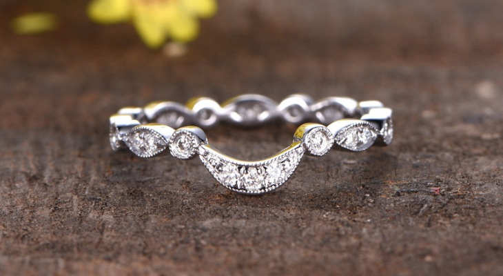 Antique curved diamond wedding bands