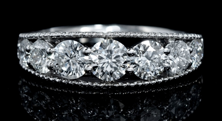 Antique style diamond wedding bands