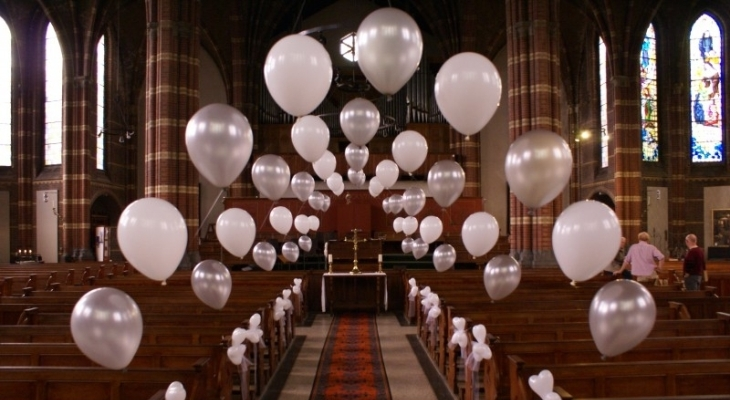 Church wedding balloon decoration