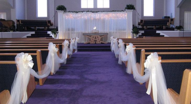 Church wedding pew decorations