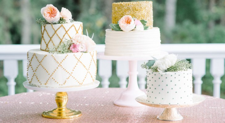 Flowers for wedding cake decorations