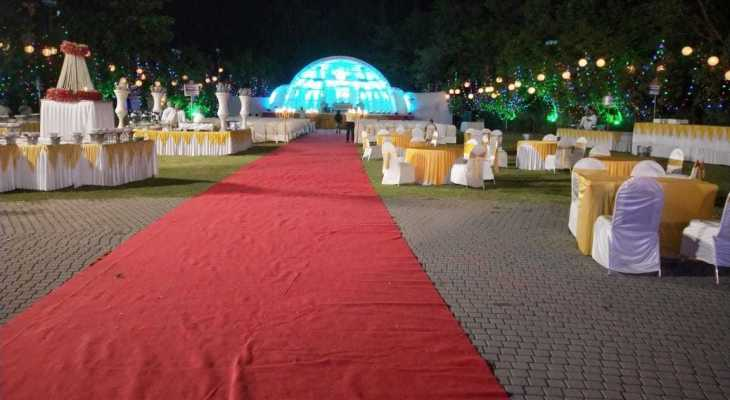 Red carpet wedding planner