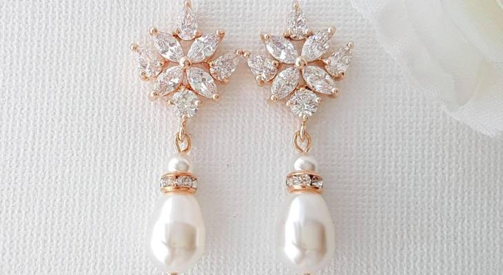 Rose gold earrings for a wedding