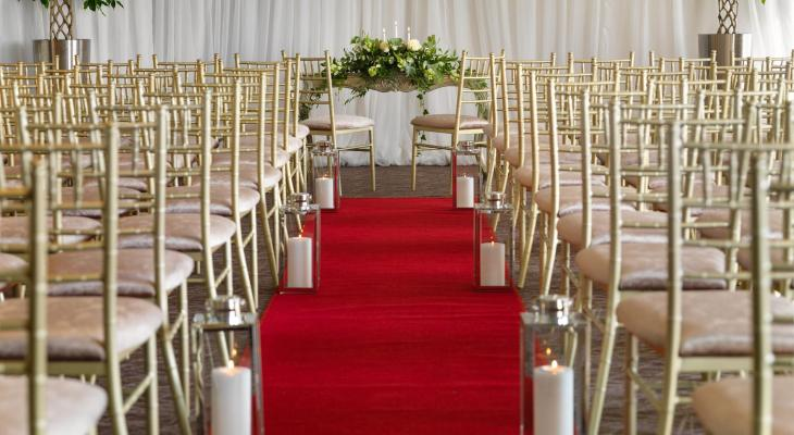 Strand red carpet wedding