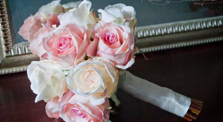 Wedding bouquets with roses