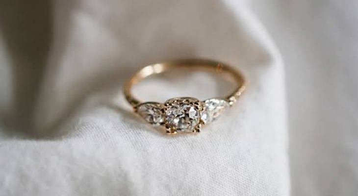 Antique engagement ring gold