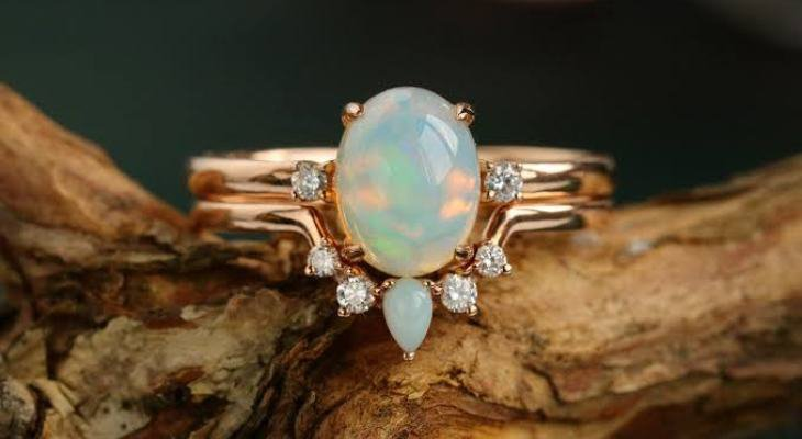 Antique engagement ring opal