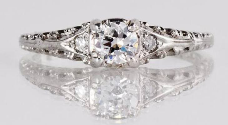 Antique engagement rings platinum