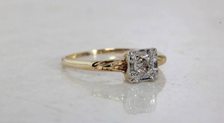 Antique engagement rings white gold