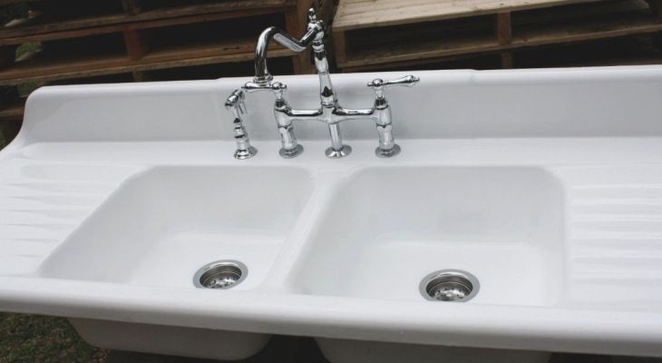 Antique kitchen sink faucets