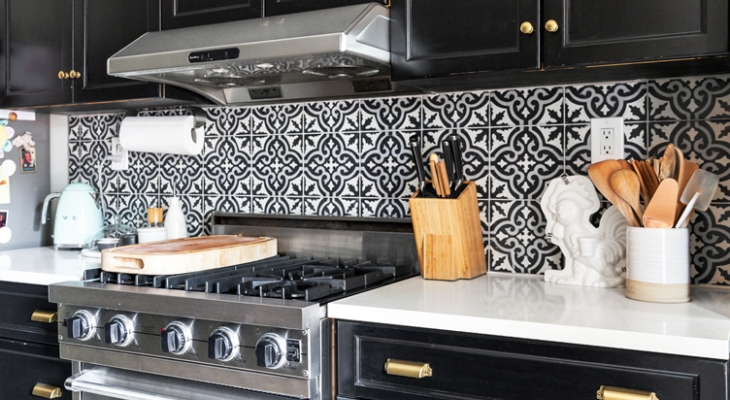 18 Classic Geometric Kitchen Backsplash Designs