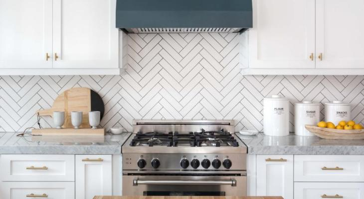 Geometric kitchen backsplash gray