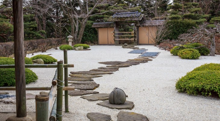 24 Japanese Sand Garden Ideas for Relaxing Appearance