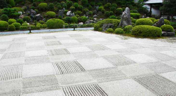 Japanese garden sand patterns