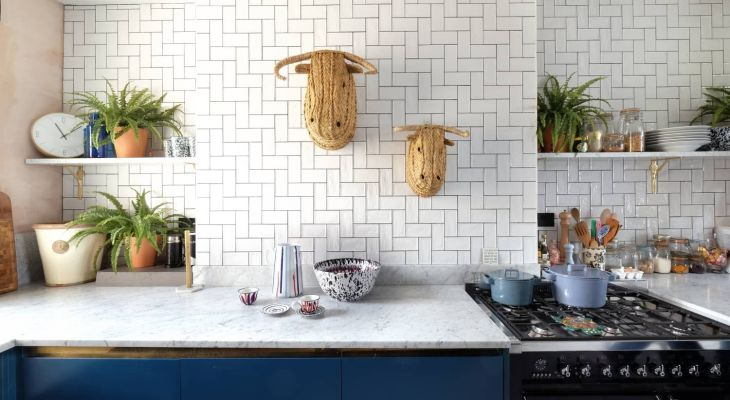 Marble geometric tiles kitchen backsplash