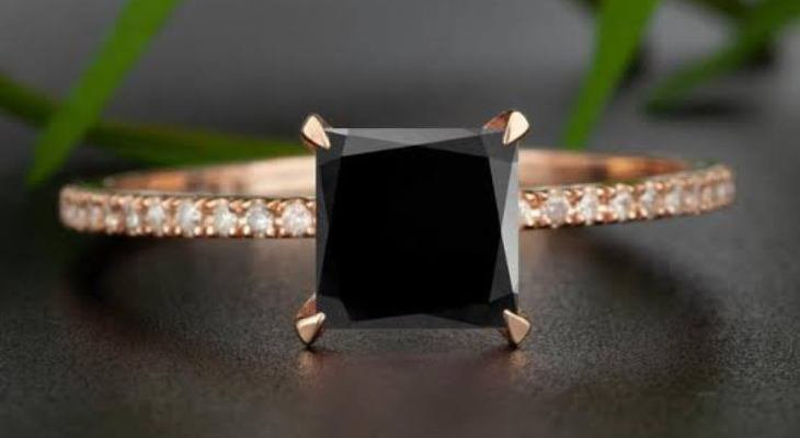 Princess cut black diamond engagement rings