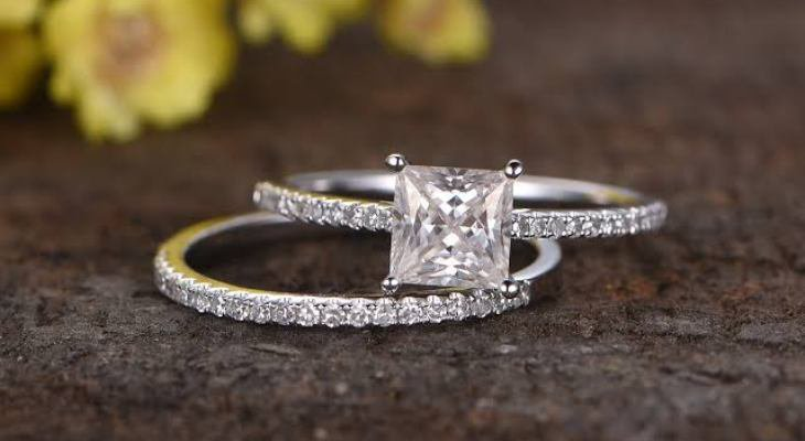 Princess cut diamond engagement rings sets