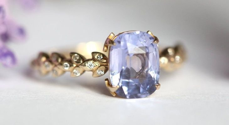 Sapphire engagement rings gold band