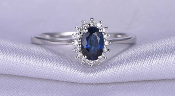 Sapphire engagement rings oval
