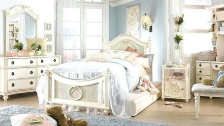 25 Shabby Chic Bedroom Decor & Design Ideas