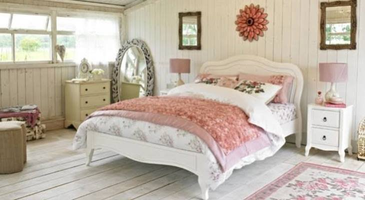 Shabby chic bedroom decorating ideas on a budget