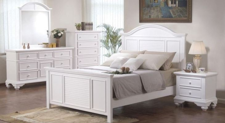 Shabby chic bedroom furniture white