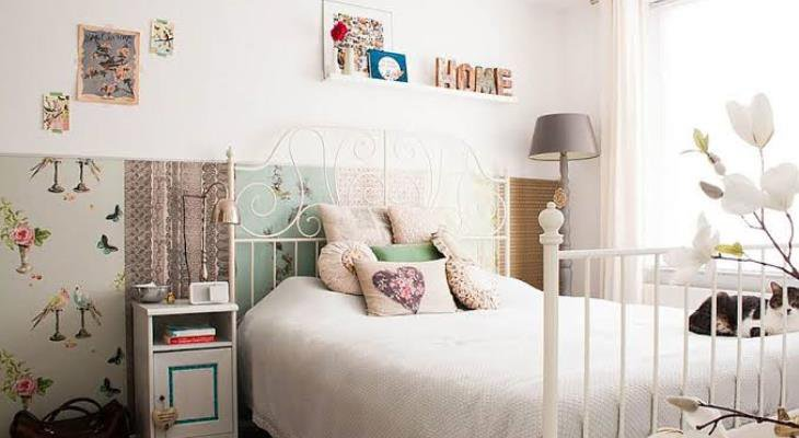 Shabby chic bedroom wall decor ideas