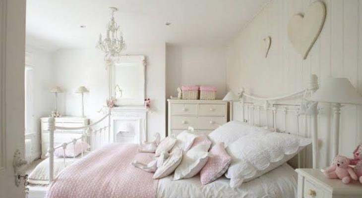 Shabby chic room decor