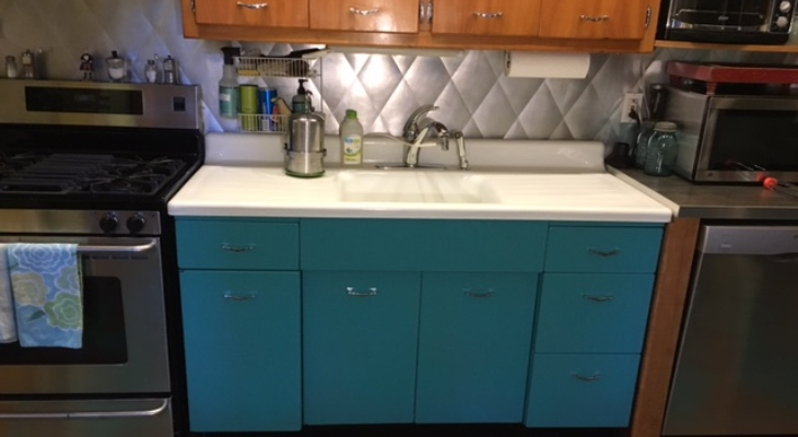 Vintage kitchen sink and cabinet