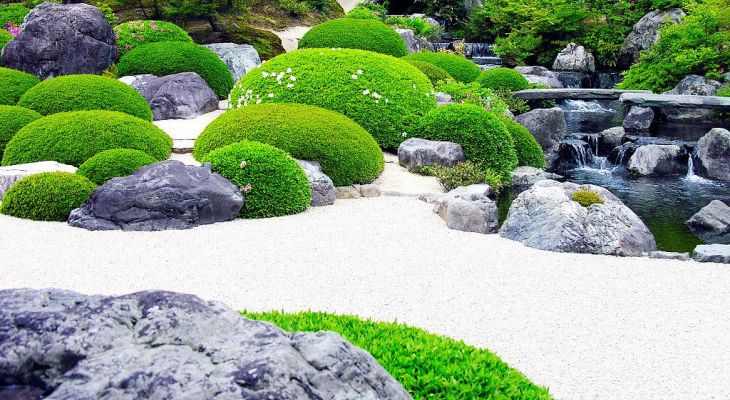 White sand for japanese garden
