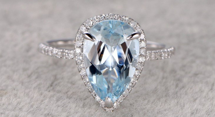 Aquamarine Engagement Rings for the Unconventional Bride