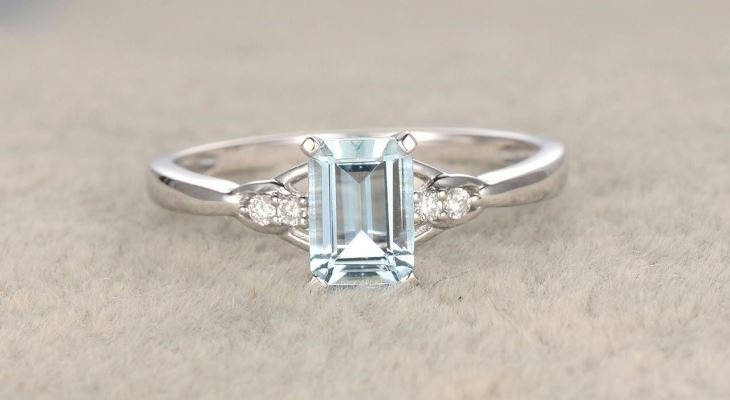 Aquamarine engagement rings meaning