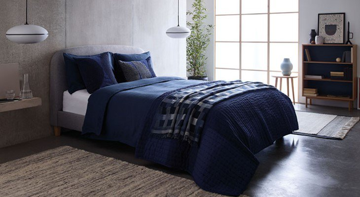 Blue bedroom cushions