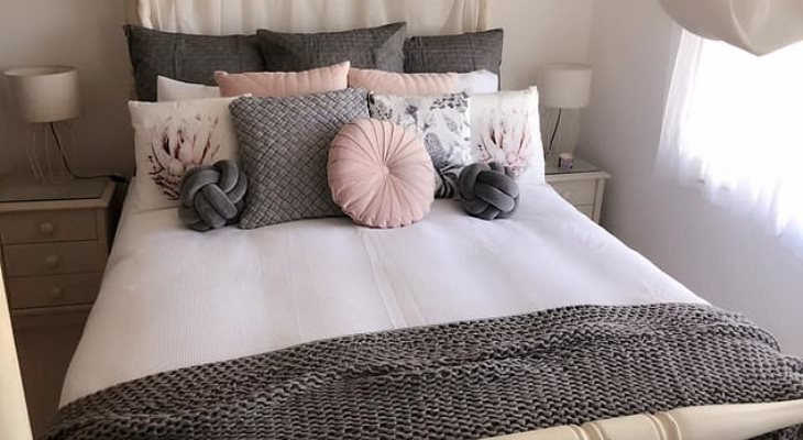 Cheap bedroom cushions
