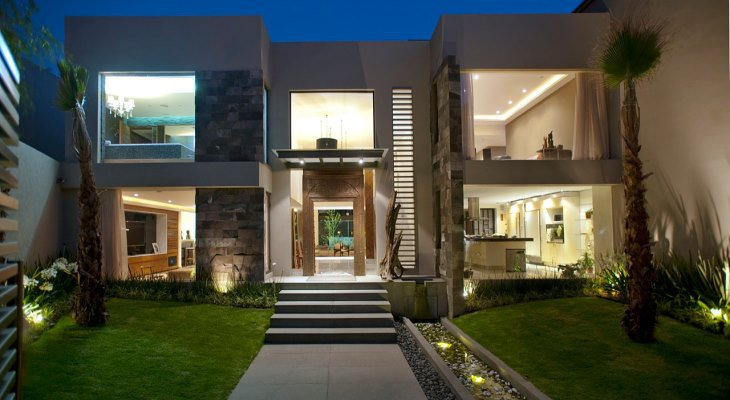 Ultra Casa Valna Contemporary House Maximizes Space