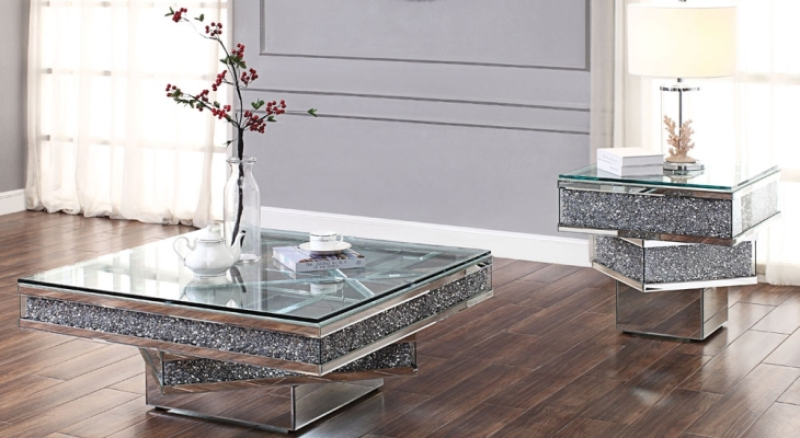 Mirrored cocktail table with crystals