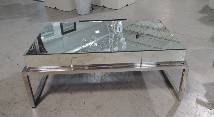 Modern stainless mirrored cocktail table