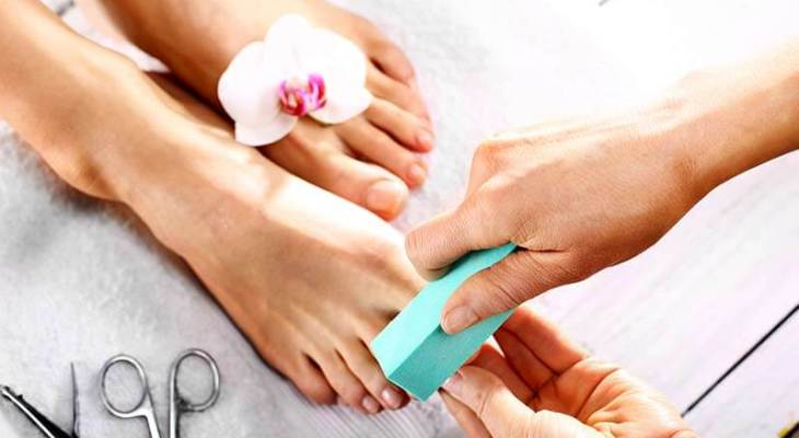 Steps to do Pedicure at home