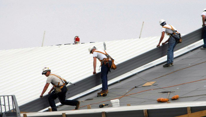 Choosing Commercial Roof Repair Contractors